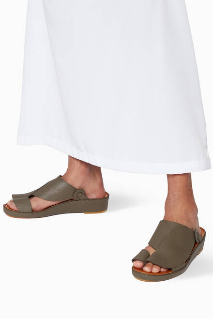 hover state of Najdy Deercalf Fermer Sandals