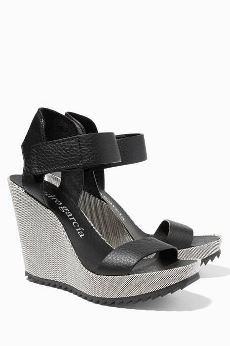 Viven Cervo White Wedge Sandal